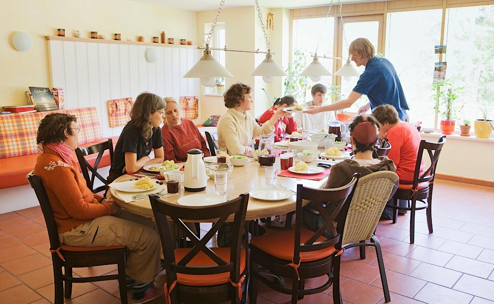 Hohenfried Gruppenalltag im Wohnbereich für Erwachsene