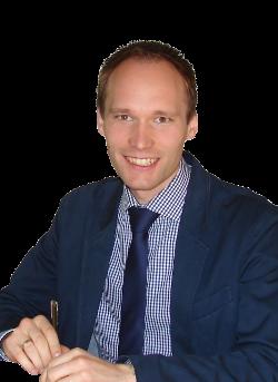Manuel Muench Portrait Sitzend 3 Webseite