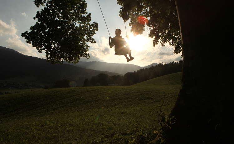 Schaukeln Mit Blick Auf Das Berchtesgadener Land Copyright Kilian Pfeifer