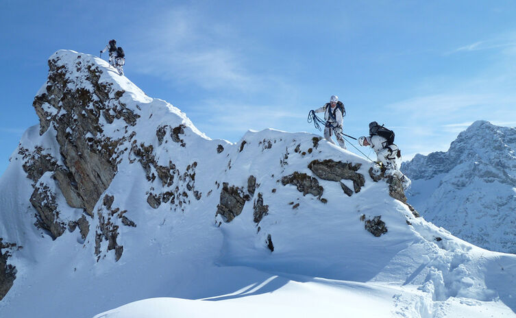 Soldaten Im Winterlichen Hochgebirge